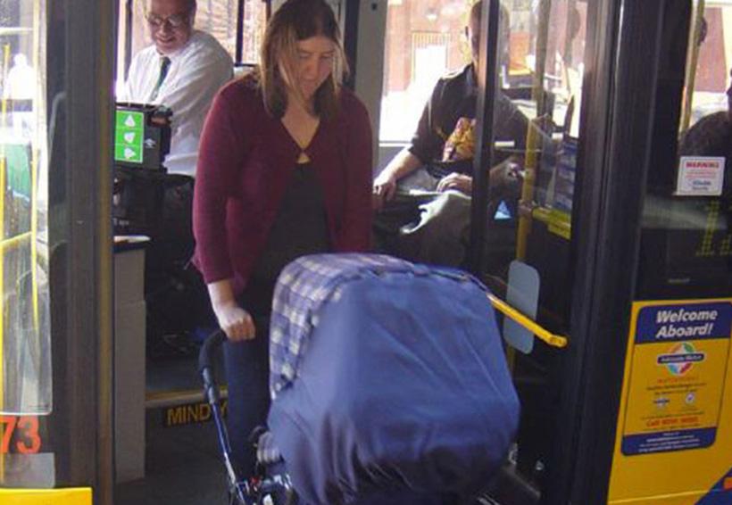 Video: Una conductora chilena de autobús se lleva al trabajo a su bebé enfermo y la Red se indigna | El Imparcial de Oaxaca