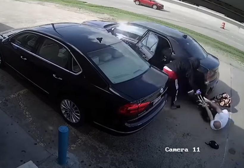 Video: Ladrones golpean y atropellan a una mujer que llevaba 75.000 dólares en el bolso | El Imparcial de Oaxaca