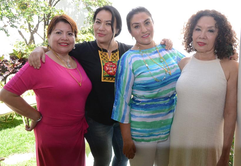Entre  amigas   El Imparcial de Oaxaca