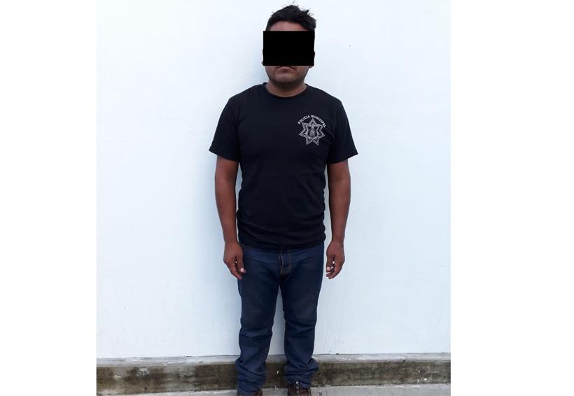 En supuesto vehículo oficial, llevaban armas en Cacaloxtepec