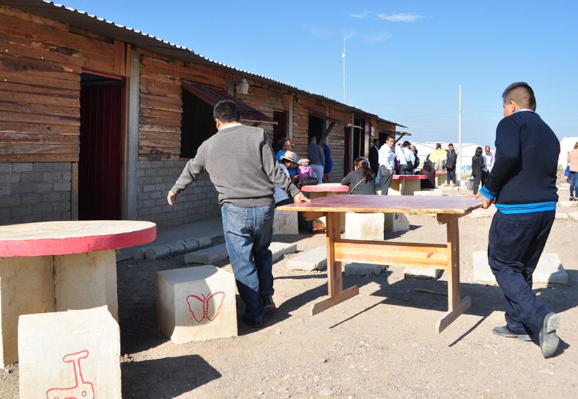 Trabaja EST 254 entre aulas improvisadas en Tlacolula | El Imparcial de Oaxaca