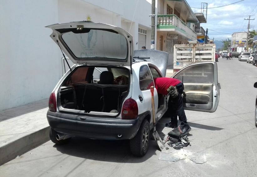 Se quema automóvil en Ixtepec | El Imparcial de Oaxaca