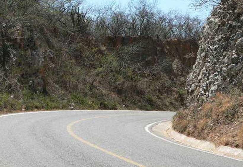 Muere motociclista al caer de una zanja en Salina Cruz