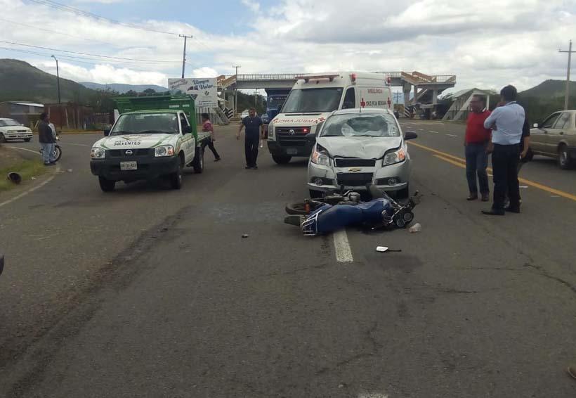 Chocan auto y moto en Macuilxóchitl