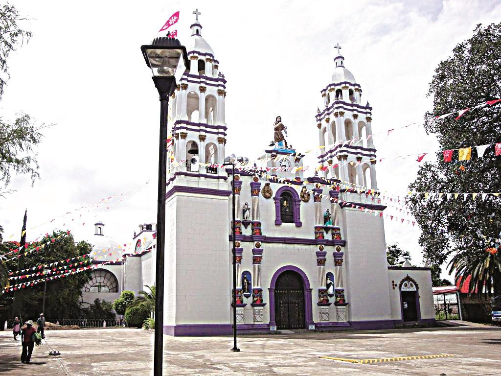 En Ayoquesco, estrangulan a adulto mayor