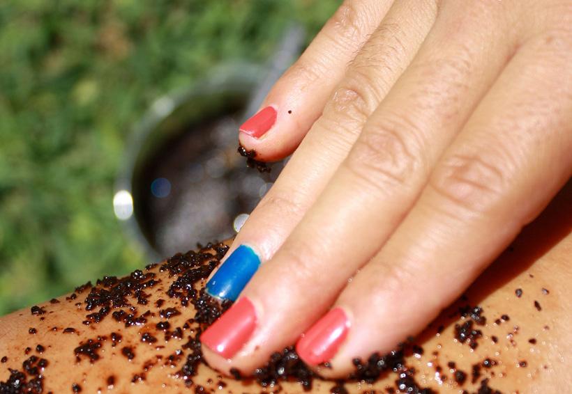 Exfoliar tus piernas con café previene la aparición de celulitis | El Imparcial de Oaxaca