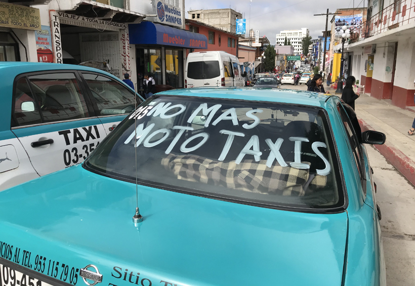 Exigen transportistas de la Mixteca atención del Gobierno