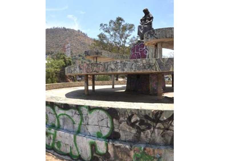 Aparecen nuevas pintas en Monumento a la Madre en Oaxaca | El Imparcial de Oaxaca