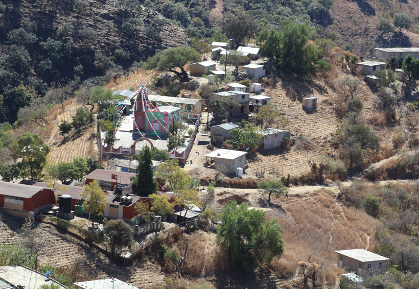 Habitantes de Tlacotepec toman  caseta de Huitzo; piden atención | El Imparcial de Oaxaca
