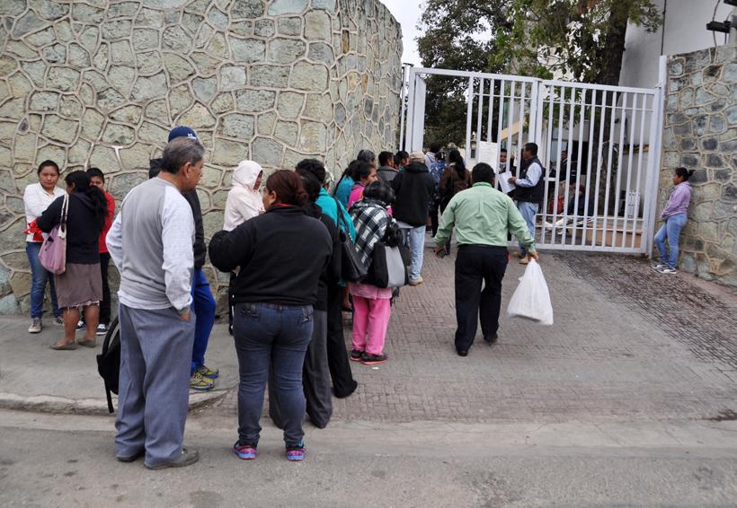 Sigue paro en laboratorio del Civil; tres días sin servicio | El Imparcial de Oaxaca