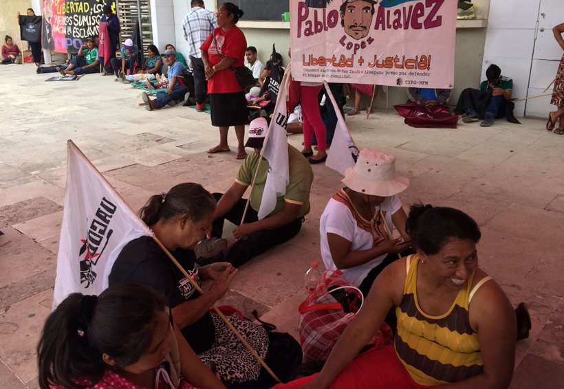 Se moviliza CIPO en  Ciudad Administrativa | El Imparcial de Oaxaca
