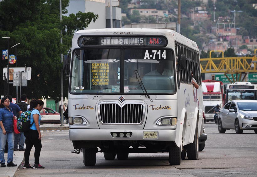 Con un amparo,  S-22 busca frenar  alza en transporte   El Imparcial de Oaxaca