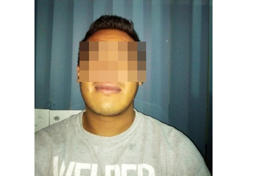 En Huajuapan, policía estatal detiene a joven con mariguana | El Imparcial de Oaxaca