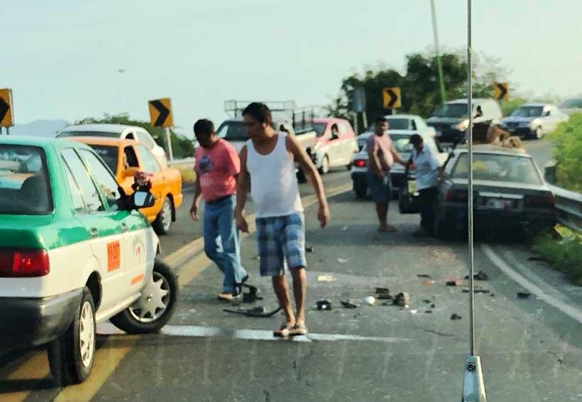 Motociclista provoca accidente en Tehuantepec