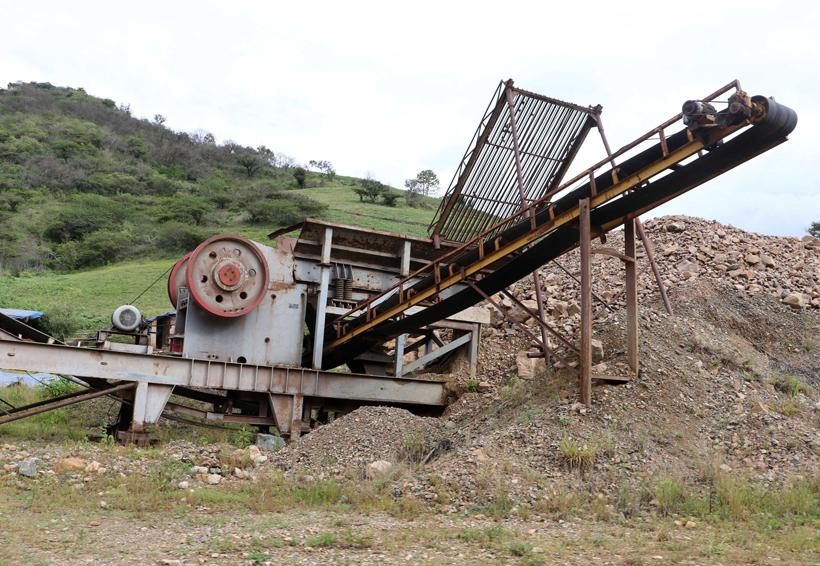 Obra de autopista Barranca Larga-La Ventanilla, lleva ocho años abandonada