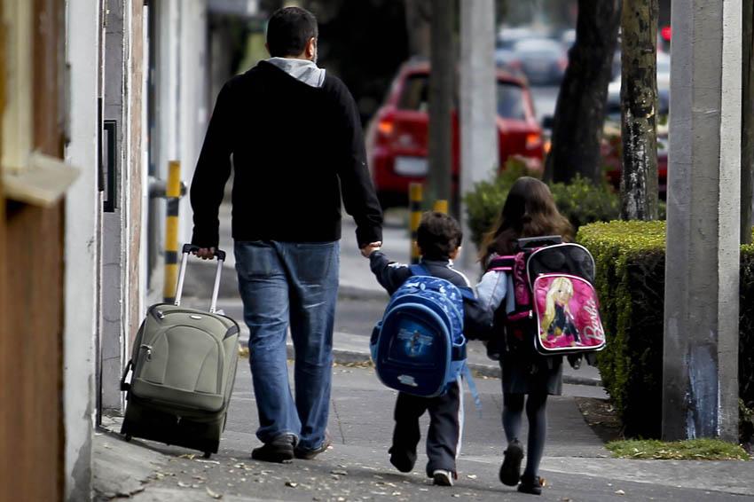 Mochilas de los niños deben pesar menos del 10% de su peso | El Imparcial de Oaxaca