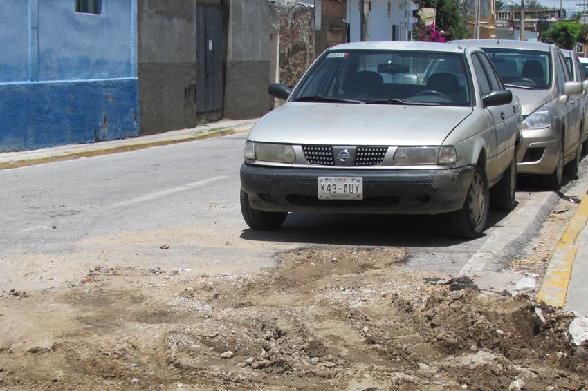 Obras inconclusas y basura ocasionan encharcamientos en Oaxaca