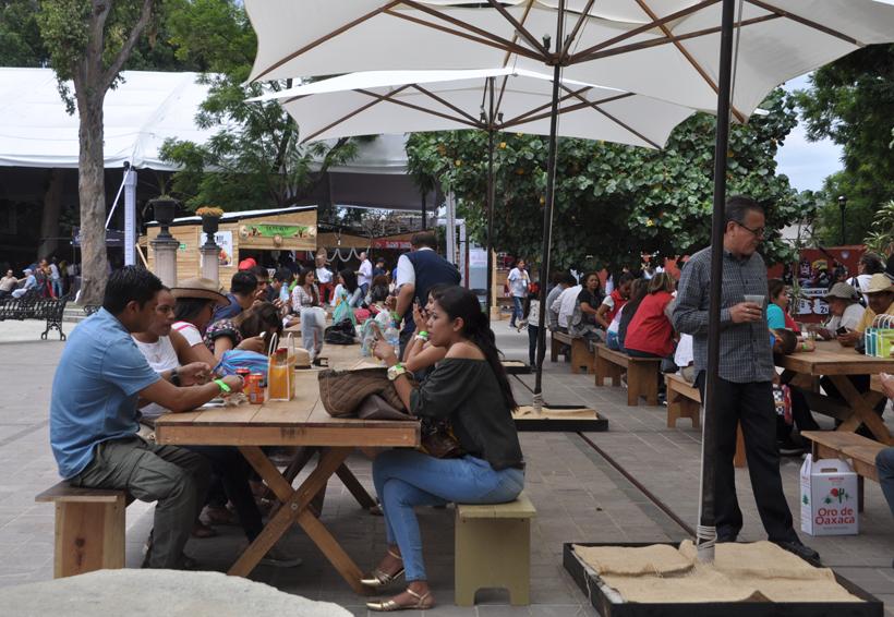 Demandan transparentar recursos  recaudados en la Feria del Mezcal | El Imparcial de Oaxaca