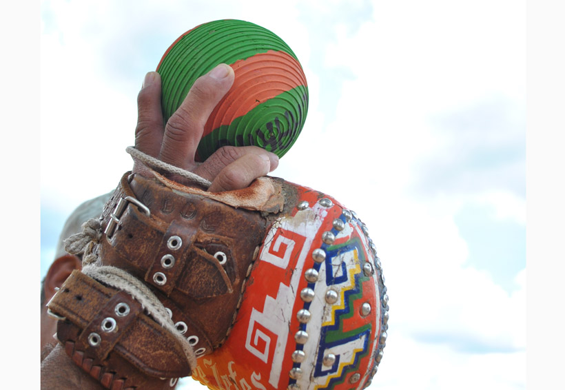 A lucirse la pelota mixteca en Guanajuato