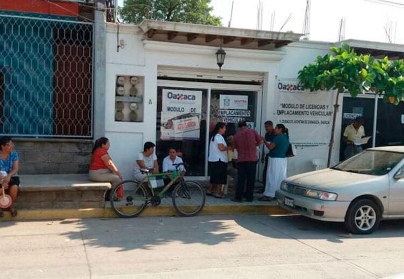 Violento asalto a la SEMOVI en Juchitán | El Imparcial de Oaxaca