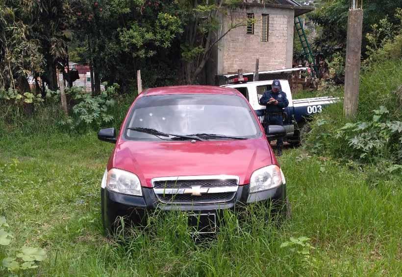 En Magdalena Apasco, abandonan taxi robado | El Imparcial de Oaxaca