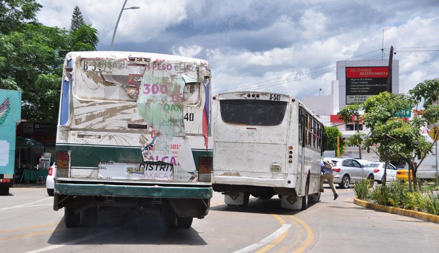 Transporte público de Oaxaca, amparado en protección de diputados | El Imparcial de Oaxaca