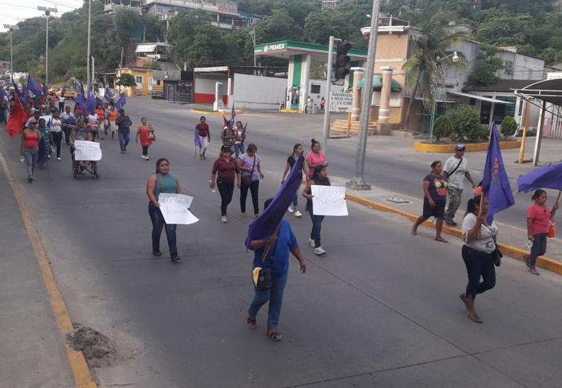 Vuelven a marchar por Ian   El Imparcial de Oaxaca