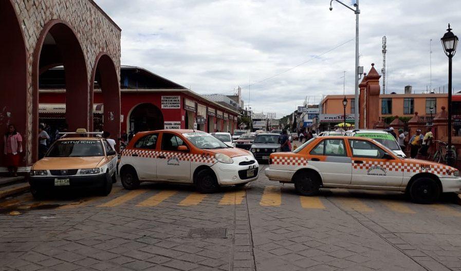 Taxistas de Huajuapan toman oficinas; exigen operativos antipirataje | El Imparcial de Oaxaca
