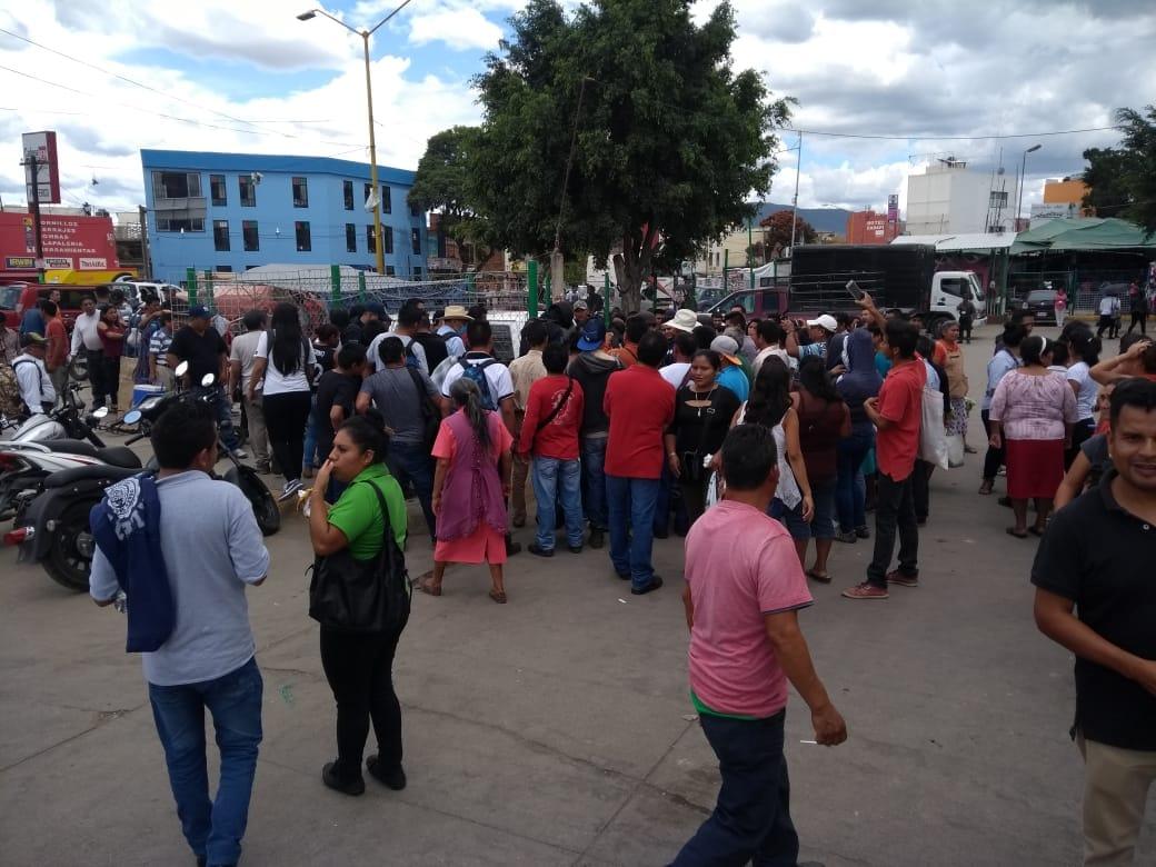 """Locatarios del Mercado de Abasto """"casi"""" linchan a ratero"""
