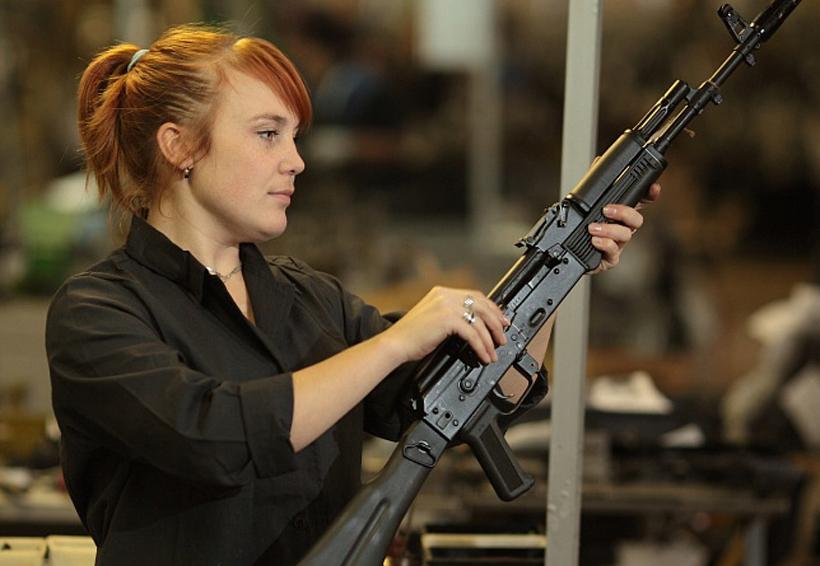 Rusia planea abrir en Venezuela una planta de rifles Kalashnikov | El Imparcial de Oaxaca