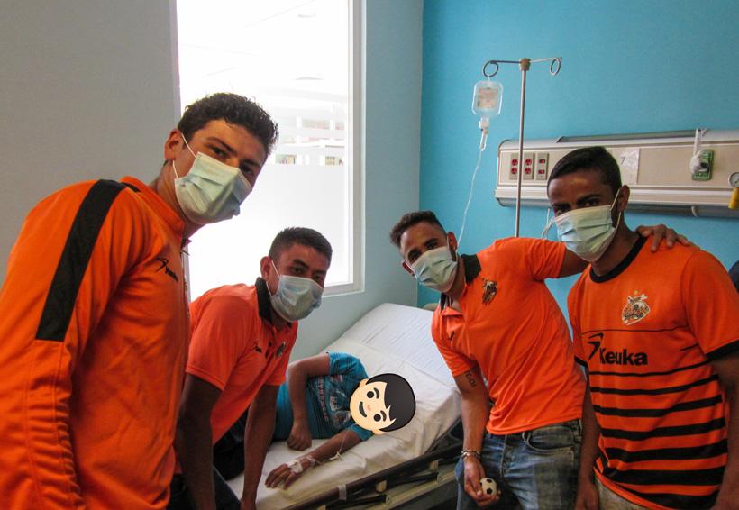 Alebrijes llevan sonrisas al Hospital de la Niñez Oaxaqueña