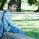 Exceso de peso en las mochilas daña la salud de los niños