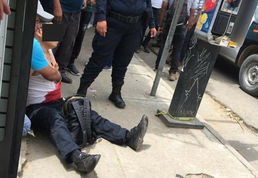 Pican a supuesto policía tras asalto con violencia en Central de Abasto, Oaxaca | El Imparcial de Oaxaca