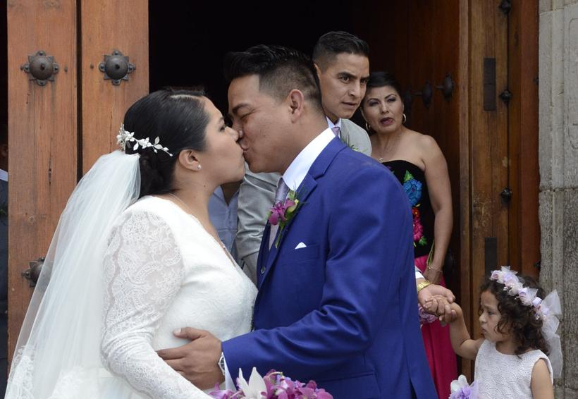 Adriana y Josué unen sus vidas