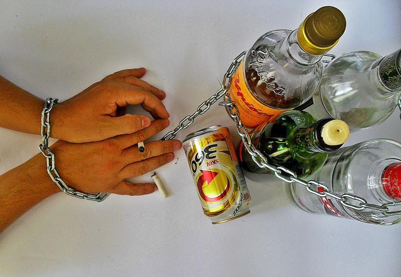 Aumenta el alcoholismo  en San Juan Coatzóspam, Oaxaca | El Imparcial de Oaxaca