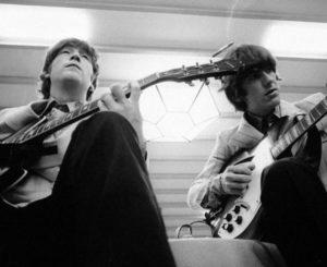 Comparten video inédito de John Lennon y George Harrison