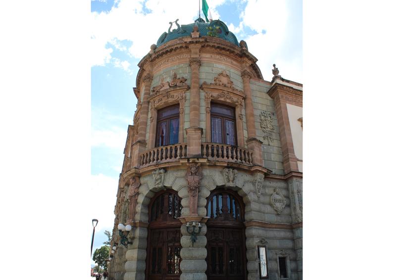 109 años del Teatro Macedonio Alcalá