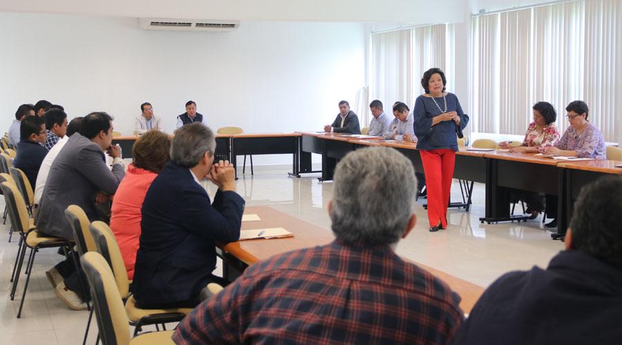 Consejeros de UABJO se actualizan en legislación universitaria