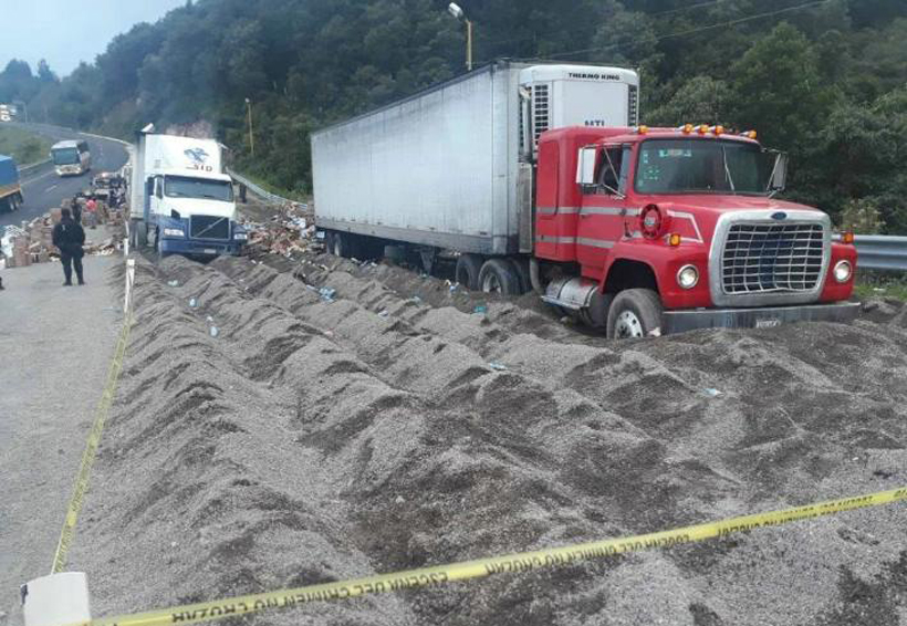 Tráiler atropella y mata a tres mientras hacían actos de rapiña tras accidente | El Imparcial de Oaxaca