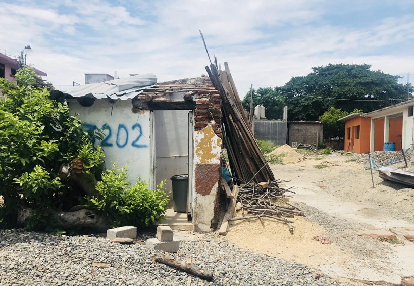 A un año del desastre en el Istmo , aún viven bajo lonas