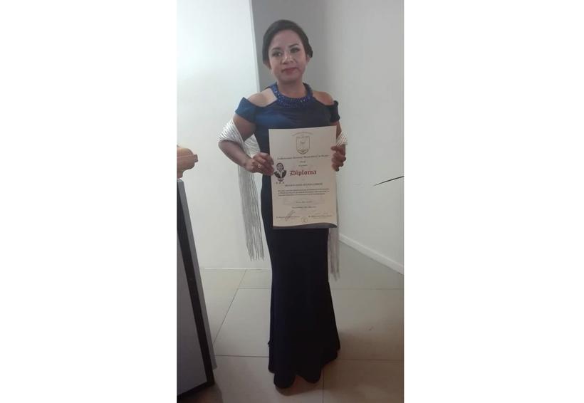 Lizbeth concluye la  licenciatura | El Imparcial de Oaxaca
