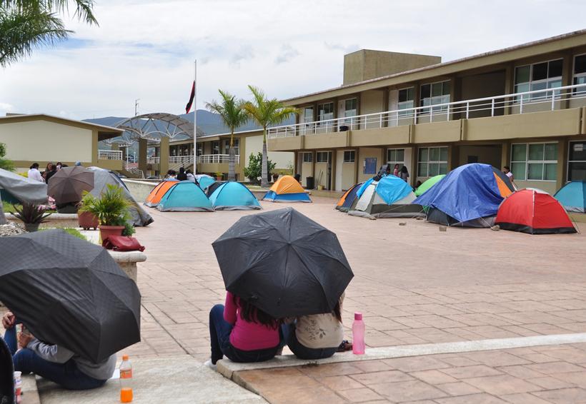 Reinician clases en normales de Oaxaca