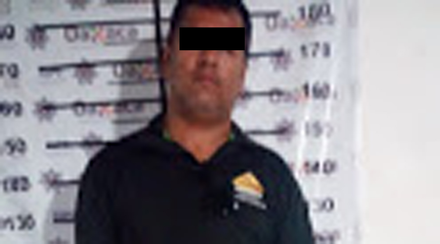 Desarman policías a Ingeniero Civil en Tututepec