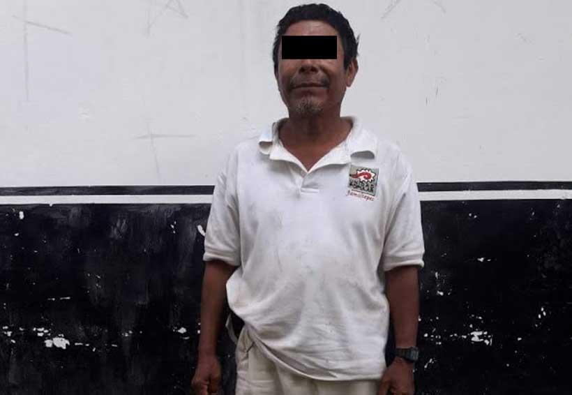 Detienen a campesino armado en Puerto Escondido