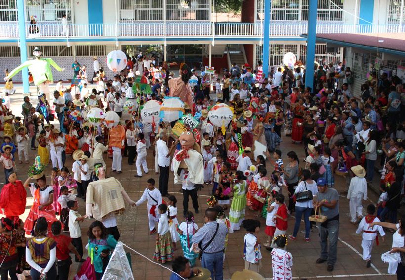 En Oaxaca, cumple escuela Francisco J. Mugica 50 años de preparar a profesionistas