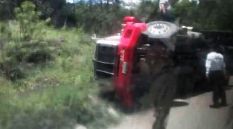 Volcadura de tráiler deja  un herido y daños materiales en Tlaxiaco | El Imparcial de Oaxaca