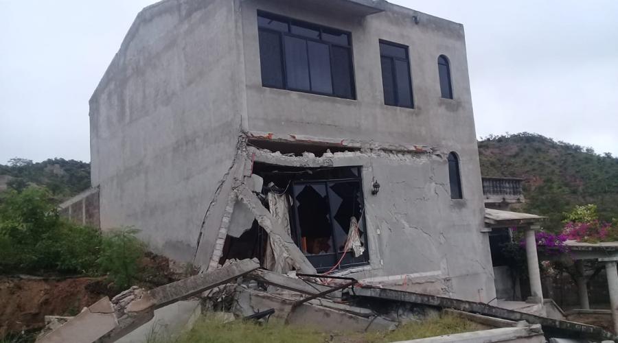 Esperan en la Mixteca a especialistas  por una falla geológica