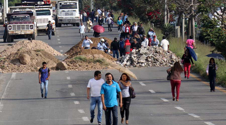 Piden empresarios aplicar la ley ante obstrucción de vías en Oaxaca | El Imparcial de Oaxaca