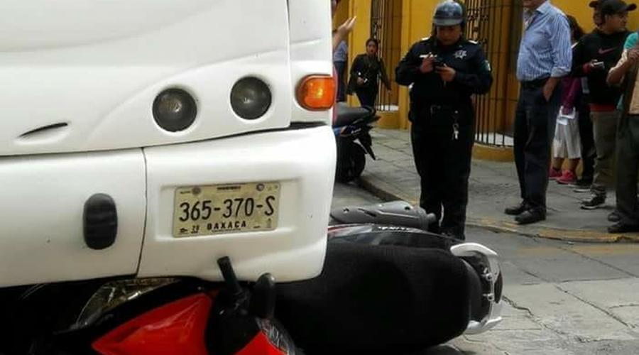 Lo embiste un camión urbano en el centro de Oaxaca | El Imparcial de Oaxaca