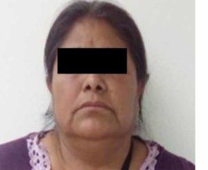 La detienen por presunto fraude específico en Mitla